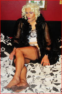 Transvestite escort in Coventry for GFE or domination
